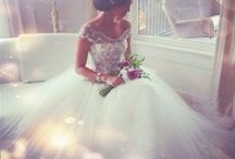 Wedding Dresses / by Shelbi Kuykendall