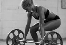 LIFTING / Inspiring images of ladies lifting weights