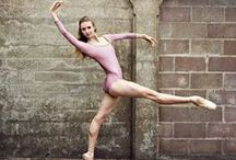 BALLET / Wonderful pictures of strong, graceful ballet dancers