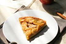Tarte aux pommes / Saveurs gourmandes, souvenir d'enfance, dessert envoûtant par son mélange pommes cannelle. La tarte aux pommes est une pâtisserie classique qui se réinvente à l'infinie.
