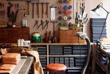 DIYスタジオ / ワークショップや自分だけのスタジオ(アトリエ)があったら、DIYがもっと楽しいだろうな。 「工具をこう飾って、ドーンと作業台を置いて…」と妄想は膨らむばかり。  「いつかは自分だけのスタジオ作るぞ!」 そんな気持ちを掻き立てる、夢のDIYスタジオ画像を集めました。