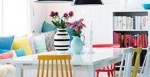 Kreative Küchen / Die tollsten Küchen, kreativ, farbenfroh, bunt und individuell! Im Industrial und Scandy Style, im Pop-Art-Look, Ideen für DIY Tafeln, Sitzgruppen mit tollem Stuhl-Mix, gelungene Kombinationen aus Alt und neu, Holz und Hochglanz-Lack, günstig und teuer, bunt und weiß!