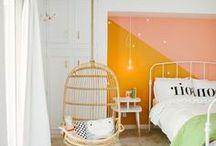 Kinderzimmer / Die tollsten Ideen fürs Kinderzimmer! Wahre Paradiese zum Spielen für Kinder, Ideen fürs DIY Bett, Häuschenbett und Spielbett, Tipi Zelte mit Lichterketten, DIY Schreibtische, Kuschelecken, Schaukeln, Rutschen, Kletterwände, Ideen zur Wandgestaltung, rosa Mädchen-Ideen fürs Prinzesinnen-Zimmer, Girlanden, Wimpelketten und vieles mehr. Alles kreativ, bunt und verspielt für das echte Abenteuer-Erlebnis!