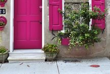 Outsides / Beautiful exteriors: houses, buildings, outdoor areas, city-scapes. / by Jodi