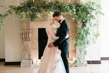 Wedding Reception Flowers / Modern and original ideas for wedding reception flowers and decorations, including mantelpiece arrangements, focal and entrance arrangements, staircase garlands and table plans.