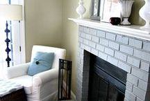 Living Room Ideas! / Whether your living room is formal or informal, here are a bunch of crafts, decor, storage, and other clever ideas for your living room and sitting room! #homedecor #DIY #decorations #decor #livingroom #sittingroom #fireplace #mantel