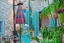 Alacati - Alaçatı / Turkey Alaçatı'nın birbirinden güzel küçük ve butik otellerini bloğumuzda bulabilirsiniz. www.kucukoteller.com.tr/alacati-otelleri.html You can find the charming small and boutique hotels on this website www.boutiquesmallhotels.com/Turkey-hotels-alacati-hotels-surf-travel.html