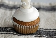 CUPCAKES / by Tracy Seauw