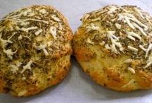 Gluten Free Breads  / http://glutenfreeworks.com/blog/2009/08/05/gluten-free-banana-quick-bread/