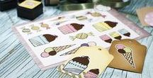 Södersvalas pyssel med klistermärken/stickers / Här hittar du Södersvalas fina pyssel med stickers! Flamingos, glass, tårtor, cupcakes, gulliga hundar, nallar och mycket mer!