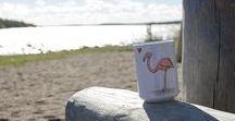 Södersvalas jumbomuggar / Här finns Södersvalas alla stora muggar som rymmer mycket kaffe. Med söta illustrationer och härliga citat.
