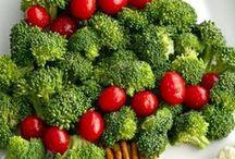 Rezepte Weihnachten backen und kochen / Kochen und Backen für Weihnachten, auch Geschenke selbermachen, Plätzchen und Kekse, Weihnachtskuchen, Weihnachtstorten, hübsch dekoriertes Obst für das Weihnachtsfrühstück, klassische Weihnachtsgerichte, Rezepte für den Winter.