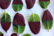 B O N. B O N / Desserts and Sweet Treats