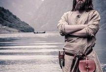 Viking outfit man / Yggdrasil is een Viking LARP evenement. Op dit bord kun je inspiratie vinden voor een mannelijke Viking outfit.