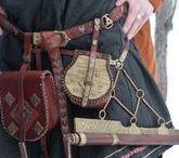 Viking outfit accessoires / Yggdrasil is een Viking LARP evenement. Met de afbeeldingen die je hier kunt vinden proberen wij een beeld te geven van hoe men accessoires kan toevoegen aan een Viking outfit.