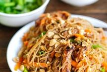 Eat: Main Dishes Pork / pork recipes of all kinds stir fry, roast, chops  / by Oh Yvonne