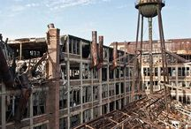 Abandoned Industrial Locations / Amazing photographs of abandoned industrial buildings and factories that have long closed and been left to decay. Every photograph tells a story, so take a look.