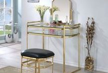 Vanity Tables / Traditional white makeup vanity will enhance you bedroom's decor.