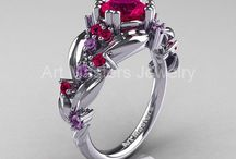 Oooh... Shiny! / Pretty jewelry
