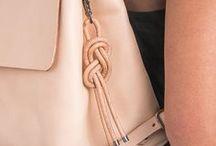 Drhaný přívěšek na tašku DIY