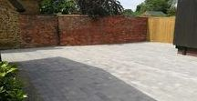 Brett Alpha Silver Haze Block Paved Driveway / Having recently purchased this delightful property in Cropredy, Oxfordshire, the clients wanted to replace their tired gravel driveway with new block paving and drainage to correct rainwater issues which left large puddles.