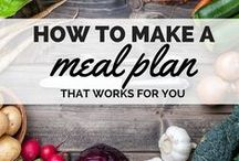 Plan Healthy Meals / It's a good idea to know how many calories you are supposed to be consuming per day based on your goals and your lifestyle. You can write a plan down and post it to your refrigerator, but there are also plenty of free or paid online tools that can help in the process.