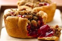 Food Stuffs - Cakes & Pies / by Stephanie Brown