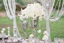 White Color Scheme / White, Clean Weddings