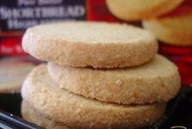 National Shortbread Day / Celebrate National Shortbread Day with Walkers Shortbread on Monday, January 6!
