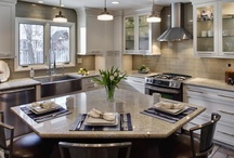 Kitchens / by Shelly Schofield