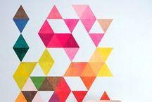 Eyoba en Flexa | Gekleurde muren inspiratie | Colored walls inspiration / Je ziet steeds meer felle en gewaagde kleuren op de muur. Ze geven enorm veel sfeer binnen je interieur en laten je meubels extra goed uitkomen. Durf jij het aan?