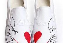 Bemalte Schuhe / Hier kannst Du abgefahrene bemalte und verzierte Schuhe entdecken und findest auch Anleitungen dazu, wie Du selber Deine Schuhe verschönern kannst.