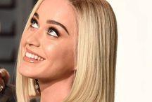 Katy Perry / La chanteuse cool qui change tout le temps de coupe!