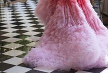 Oh, you fancy / Fancy, sparkle, sequins, feathers...