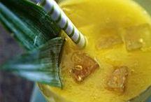 Smoothies & Green Juices ♥ / Die besten Power-Drinks für die Traumfigur: Hier findest du tolle Smoothie-Rezepte und leckere Inspirationen für Green Juices.