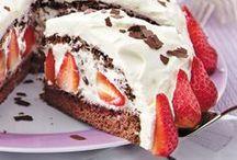Erdbeeren - die besten Rezepte ♥ / Wir lieben Erdbeeren! Ob als Kuchen oder Torte, im Dessert oder als cremiges Eis. Die besten Rezepte mit den roten Früchtchen.