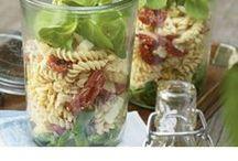 Sommerrezepte ♥ / Der Sommer ist da! Jetzt haben wir Lust auf tolle Salate, leckere Snacks, Eis und coole Drinks. Die passenden Rezepte gibt es hier!