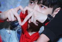 Zhang❤️ EXO / LAY