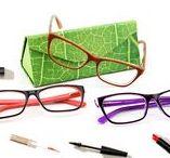 Fassung der Woche / Ob als Gleitsichtbrille oder normale Fernbrille – diese modischen, farbenfrohen Fassungen machen immer eine gute Figur!  Bei unseren Preisen wird die Brille immer mehr zum Accessoire, passend zum jeweiligen Outfit. Ein paar Preis-Beispiele (alle Beschichtungen sind ja immer inklusive!). Als modische Einstärkebrille mit dünnen Gläsern: 89,90€ Komplettpreis oder als Gleitsicht-Sonnenbrille mit dünnen 1.57 Gläsern 155,90€ Komplettpreis!