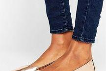 Women's shoes, footware.