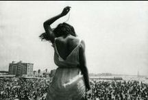 Crowd Rise / Sharing that moment. / by Caroline Bontia