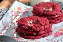 Cookies| Recipes / Favorite cookie recipes.  Chocolate Chip cookie recipes and more!