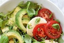 Healthy Salad Recipes / You can make these easy salad recipes for pretty much any occasion. Fruit salad recipes, green salad recipes, deli salad recipes... This board has them all! You'll also find a few homemade salad dressing recipes here as well!
