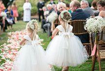 Flower Girl / Full off inspiration for beautiful flower girl or little bridesmaids dresses.