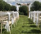 Outdoor Wedding Ceremony Ideas / Whether you say your views on rolling hills of grass or under the boughs of an old oak tree, use this inspo for ideas on making your outdoor rustic ceremony even more magical. -- www.gellifawr.co.uk
