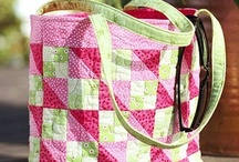 Bags & totes & other pretties / by Gloria Bolivar