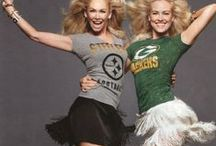 NFL Fan Style / The Blonde Side's favorite outfits for what to wear for 2014-2015 NFL. Oh, and Go Eagles!