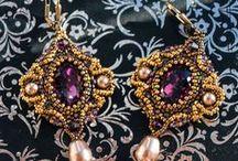 vB-did A Earrings Favorites