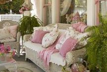 Front Porch ~ Sittin ~ / by Lulabelle