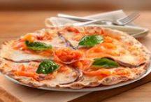 Le pizze / Más de 20 variedades diferentes, elaboradas directamente en el horno tradicional de nuestros restaurantes. Con un delicioso aroma y con una masa fina, crujiente e inconfundible. http://www.latagliatella.es/nuestra-carta/le-pizze/